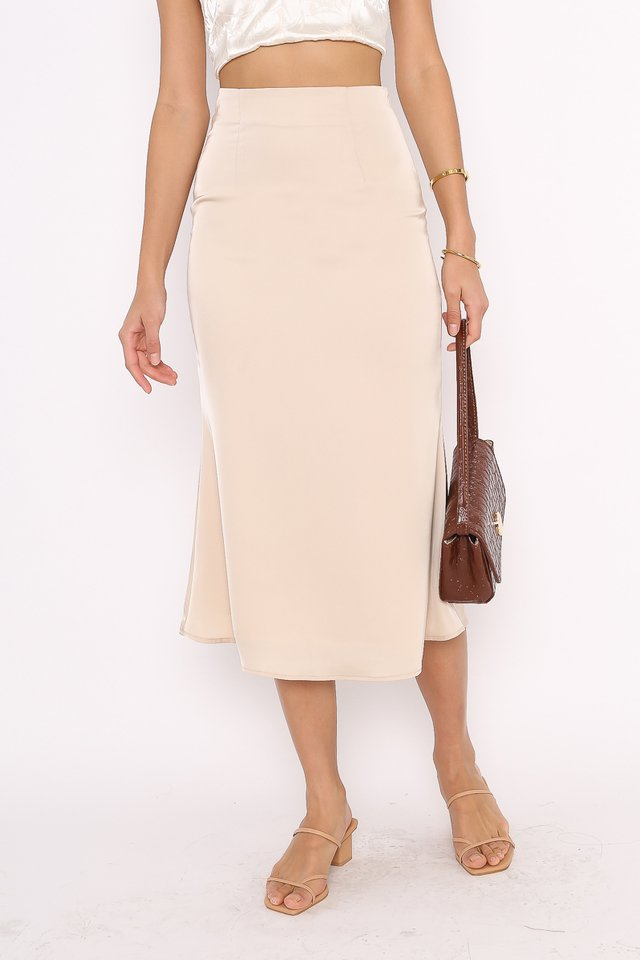 SHEA FIT & FLARE SATIN SKIRT (CHAMPAGNE)