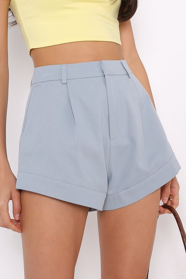 *BACKORDER* CHARLIE CURVED HEM SHORTS (LIGHT STONE BLUE)