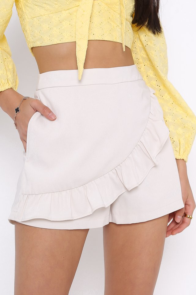 FAYE RUFFLE SKORTS (LIGHT WHEAT)