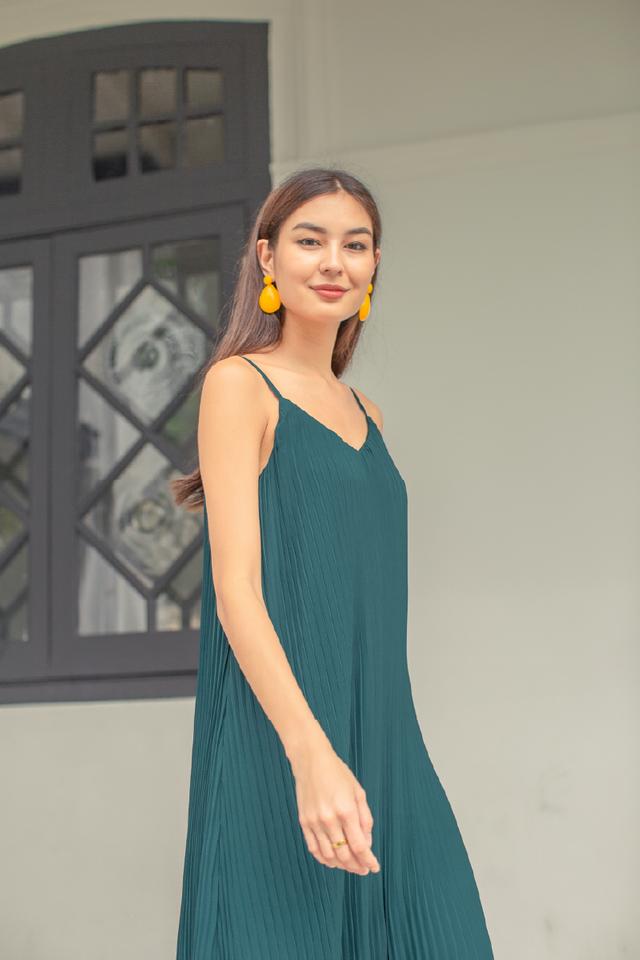 PETRINA PLEATED DRESS (EMERALD GREEN)