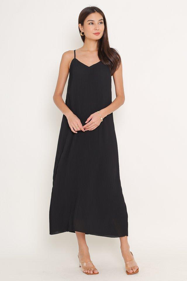 PETRINA PLEATED DRESS (BLACK)
