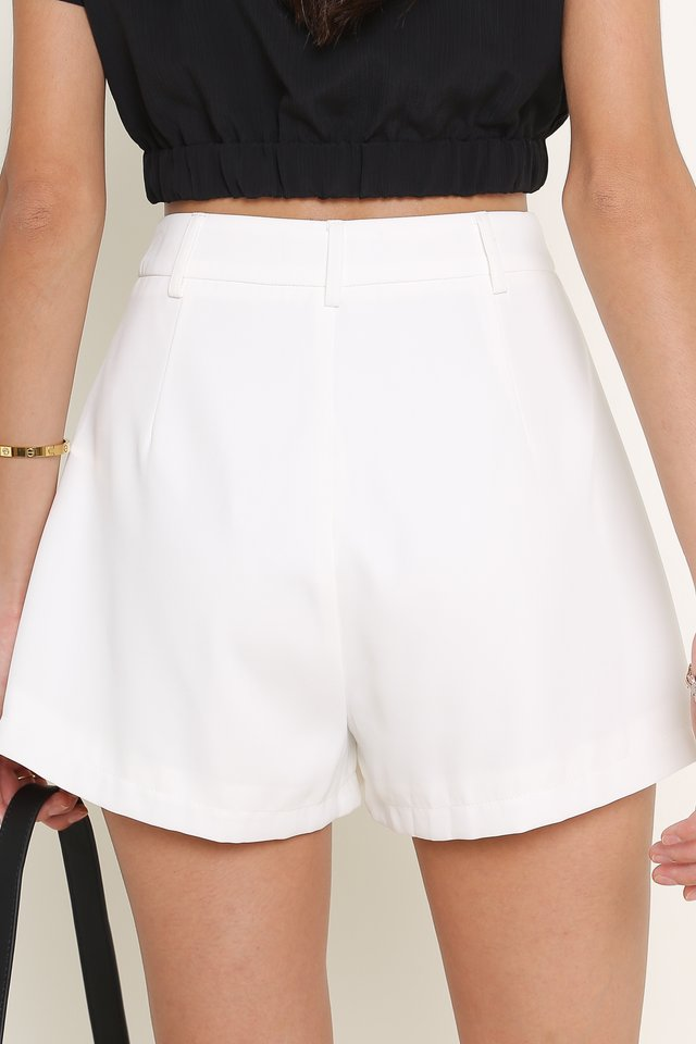 PERRY PLEATED SHORTS (WHITE)